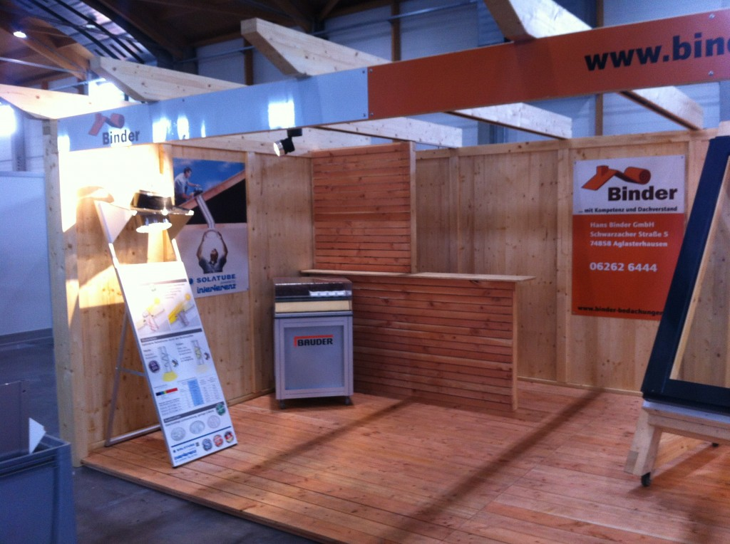 Stand002